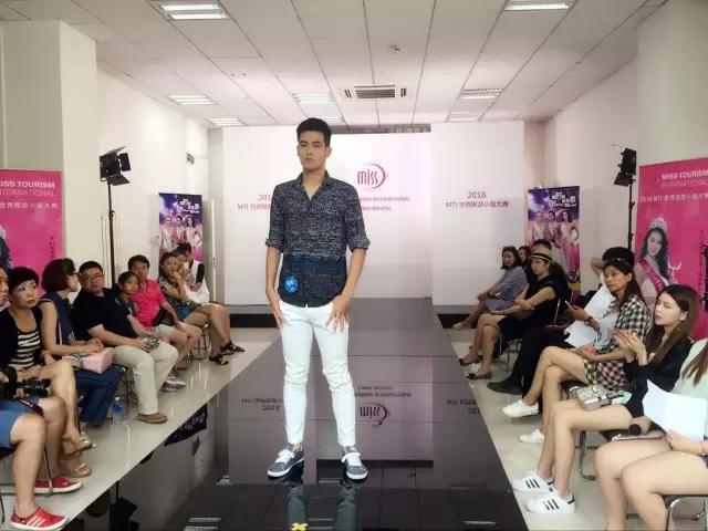 北京高端时装兼职女模特私人伴游要领