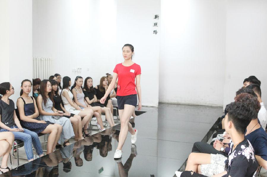 新入行北京高端模特经纪人如何建立自信心,最新