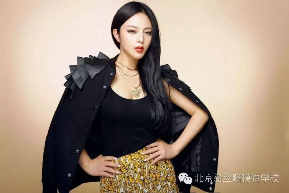 预约了解职业北京商务模特的入镜肢体表